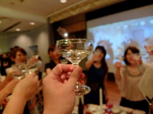 梅田で結婚相談所をお探しの方、お見合いや出会いを探せるパーティーに参加したい方