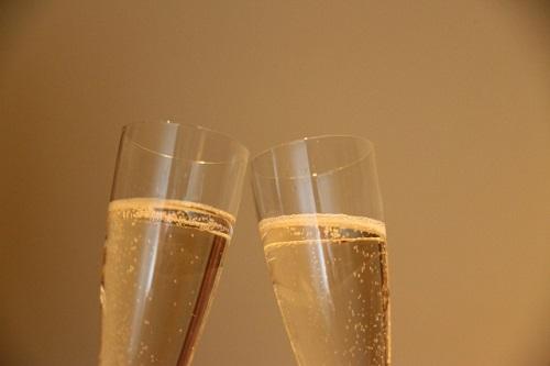 大阪の結婚相談所【PURE HAPPINESS】婚活は「仲人」が鍵!パーティーやお見合いも