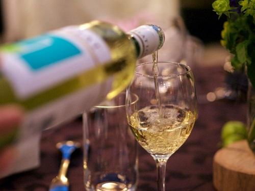 梅田でお見合いパーティーやお酒・料理を楽しめる婚活イベントに参加するなら